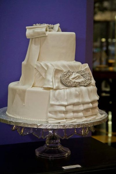 1352235082891 dresscake tulsa wedding cake