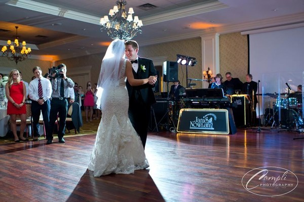 1384262050295 Campli070 Philadelphia wedding band