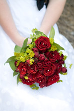 220x220 1396646097953 emily.v. bridals 1