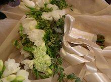 220x220_1241577367437-bouquet.bride.white.spring