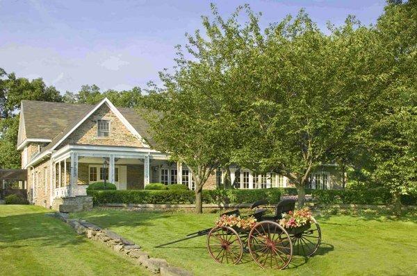 Red Oak Mansion At The Renaissance Westchester Hotel