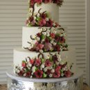 130x130 sq 1284865271581 karenandrichardleeweddingcake011