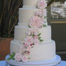 130x130 sq 1304212230948 emmatompsonweddingcake010