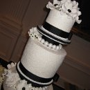 130x130 sq 1309070680931 ericandmelissasweddingcake021
