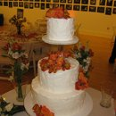130x130 sq 1311562640334 staciecampbellweddingcake014