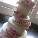 130x130 sq 1348275310787 lauraandmichaelweddingcakepicture008
