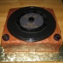 130x130 sq 1218242638977 recordplayercake