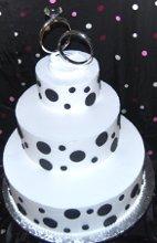 220x220 1218241244368 weddingcake