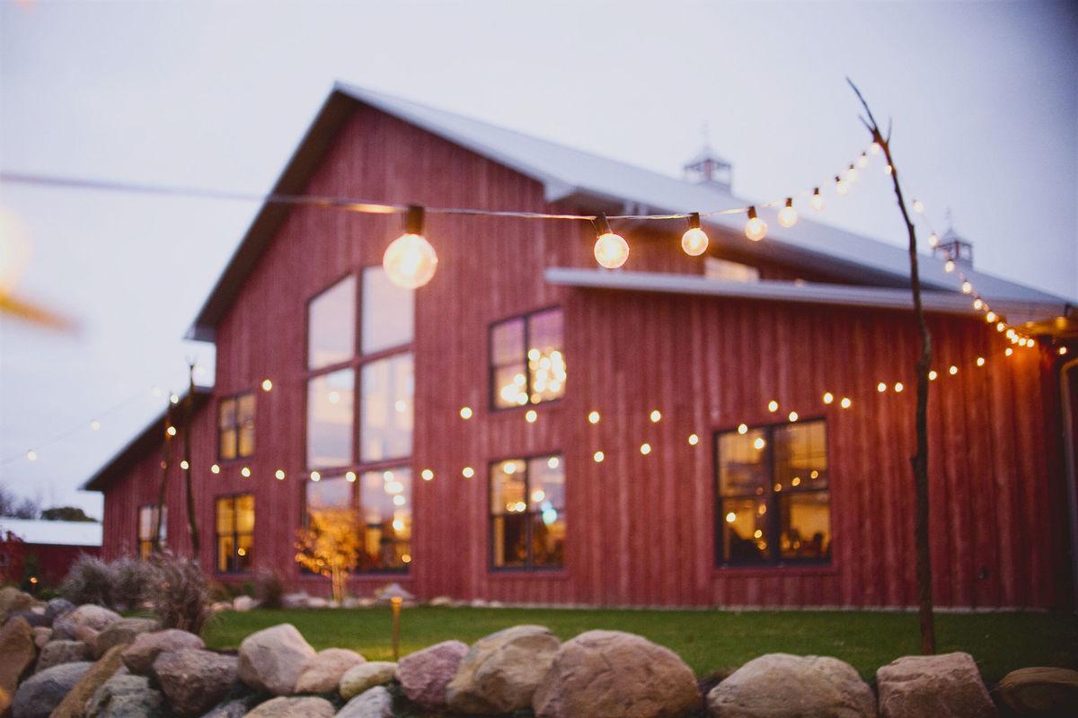 The Barn At Hornbaker Gardens Venue Princeton Il Weddingwire