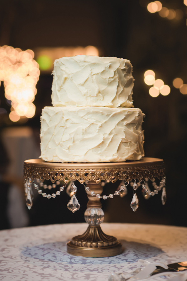 White Buttercream Round Utah Wedding Cake Winter Wedding Cakes ...