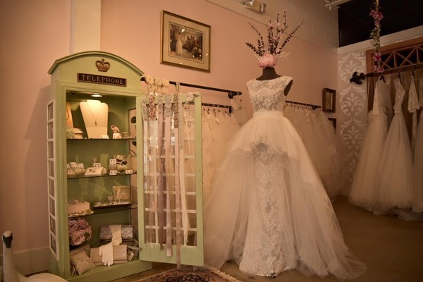 London and lace columbia sc wedding dress for Wedding dresses in columbia sc