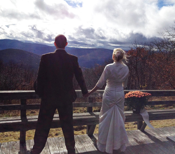 600x600 1443024015216 wedding1