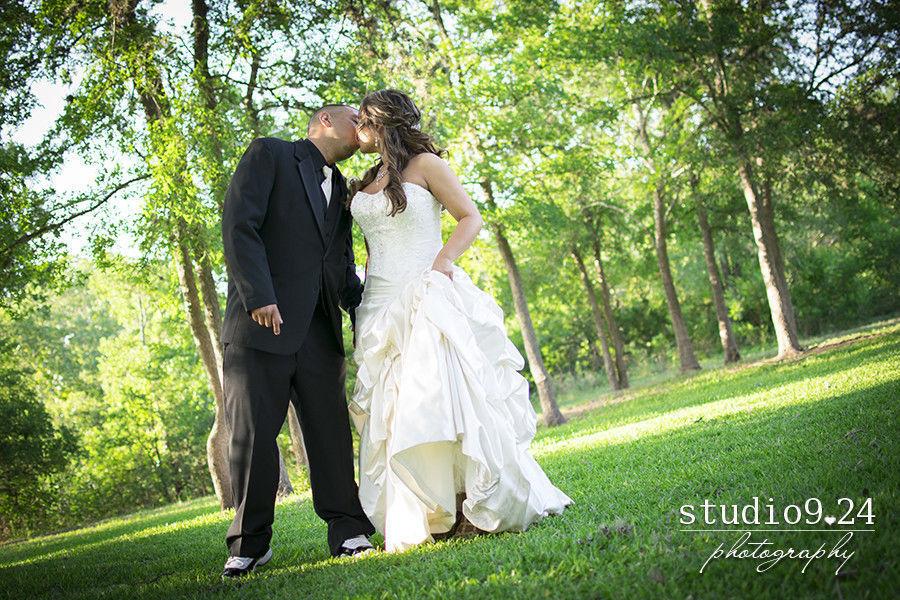 Studio924 photography photography austin tx weddingwire for Wedding dress rental austin tx