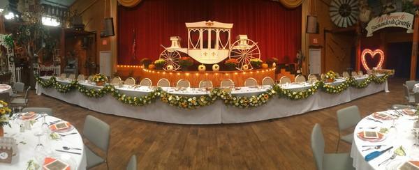 600x600 1433437369261 wedding set up