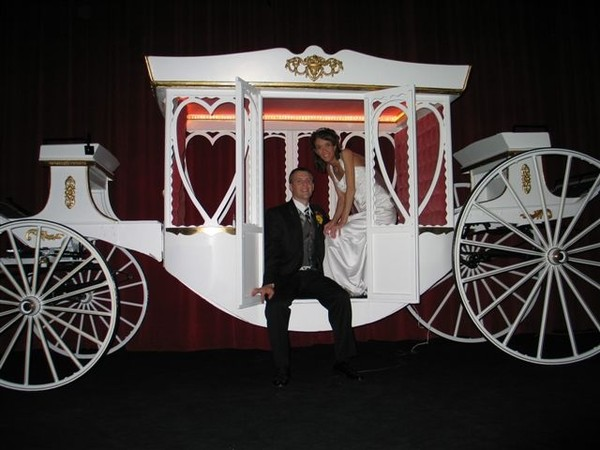 600x600 1433437397084 wedding carriage
