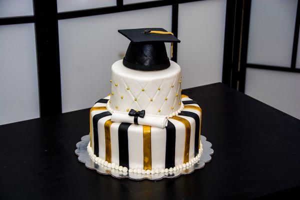 600x600 1472615726334 graduation76
