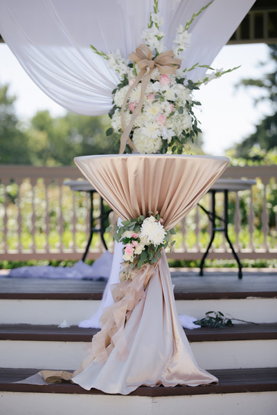 Hollywood Glam Romantic Ivory Pink Altar/Arch Arrangements Canada ...