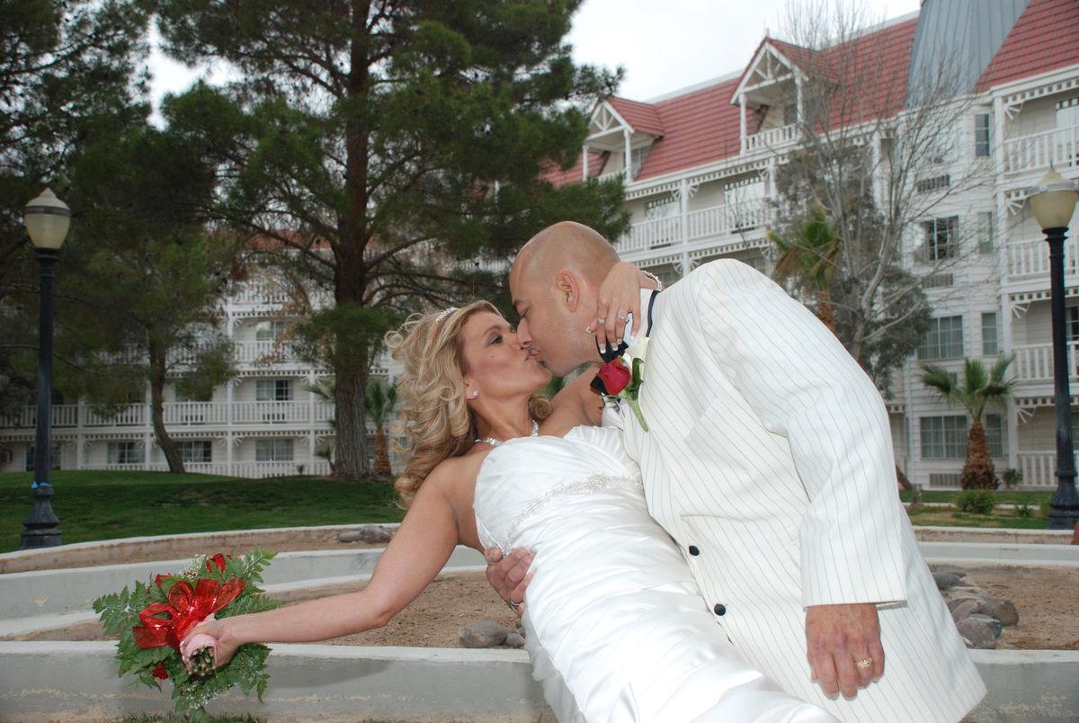 Primm valley weddings reviews primm nv 4 reviews for Las vegas wedding dress rental prices
