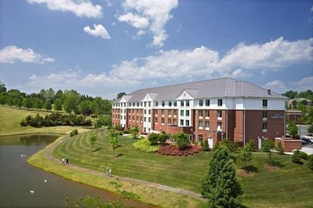 Charlottesville wedding venues reviews for venues for Hilton garden inn charlottesville