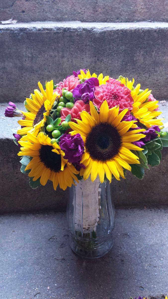 ramones flowers flowers wimington de weddingwire. Black Bedroom Furniture Sets. Home Design Ideas