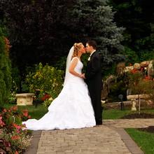220x220_1398192732225-weddingwirefeaturedpi