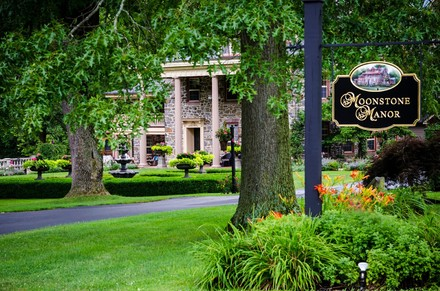 Pennsylvania wedding venues reviews for 915 venues moonstone manor junglespirit Choice Image