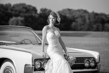 220x220 1387487749128 destin wedding limousine
