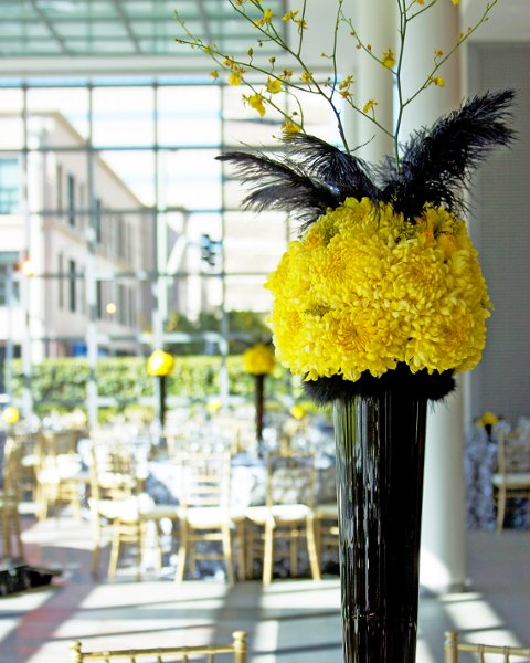 Black And Yellow Wedding Flowers: Avant-Garde Modern Black Yellow Centerpieces Decor Fall