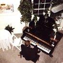 130x130 sq 1274145940638 piano