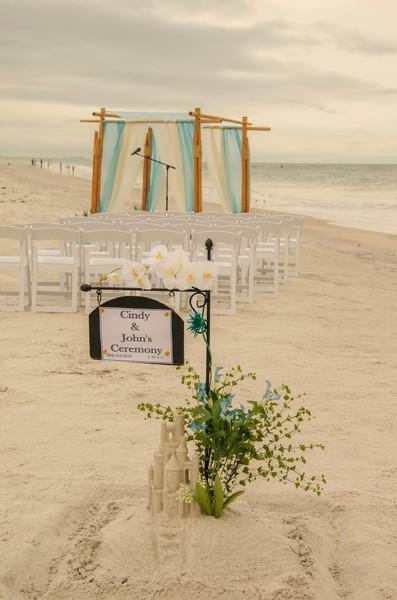 1445540673557 Aqua 4 Post Largo wedding officiant