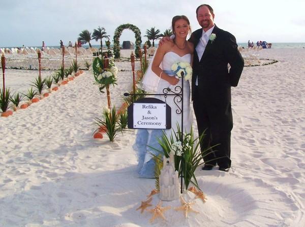 1445542010017 1008934 E Largo wedding officiant