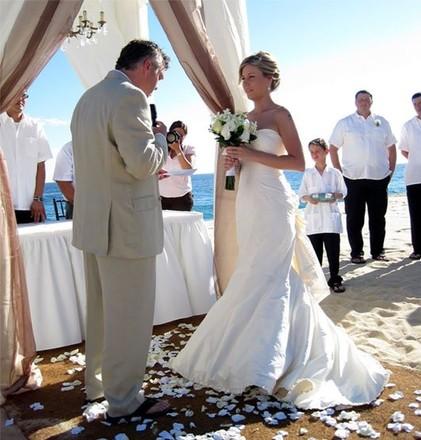 Seattle wedding dresses 77 seattle bridal shop reviews for Wedding dresses seattle washington