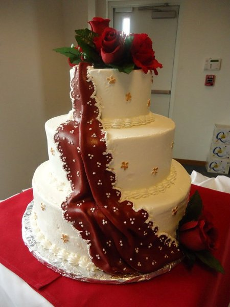 Burgundy Gold White Round Wedding Cakes Photos Amp Pictures