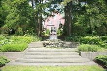 220x220 1452111455 73c0f1c90509095c holmdene gardens steps