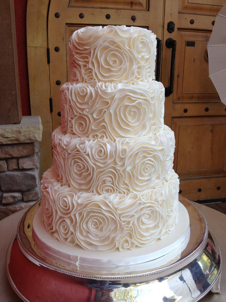 The West Side Bakery Wedding Cake Akron Oh Weddingwire