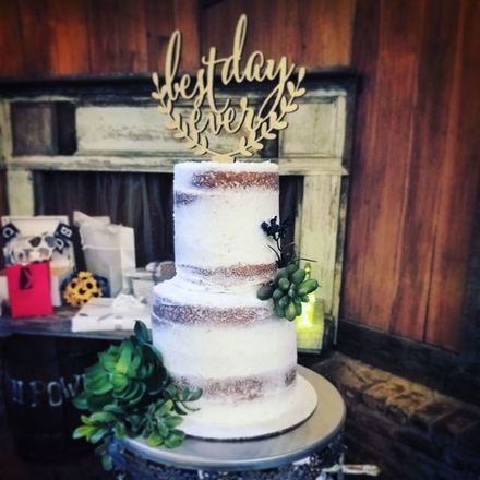 Myrtle beach wedding cakes reviews for cakes spotlight wedding cakes near myrtle beach the holy city cupcakes junglespirit Image collections