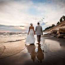 220x220 sq 1463773738 01c7ffb2321385d1 beach weding photography 4