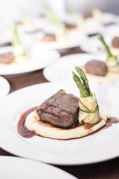600x600 1509662021357 plated   steak and asparagus