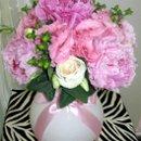130x130_sq_1285764674546-rainflowercompanypinkpeonieslisianthusgreenberriestorontoweddingfloristcentrepiece