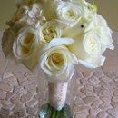 130x130_sq_1289475751374-rainflowercompanyallwhitebouquet