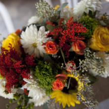 220x220 sq 1366326574995 beautiful fall wedding flowers de63bce