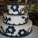 130x130 sq 1222544828750 blackandwhiteweddingcake