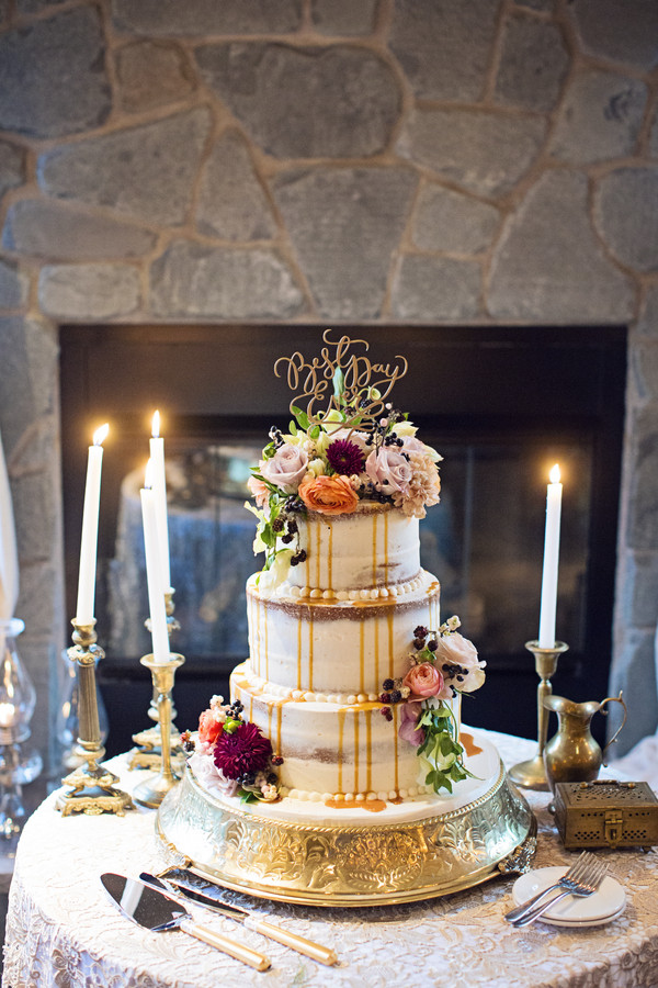 Boho Chic Romantic Rustic Brown Burdy Gold Pink Fall Flowers Michigan Restaurant Round Wedding Cake Cakes Photos Pictures Weddingwire Com