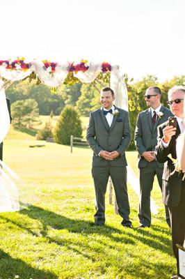 Rustic Canada Farm Wedding Wedding Real Weddings Gallery By Weddingwire Real Weddings 51