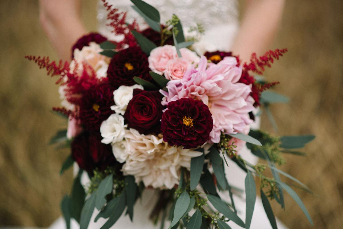cambam custom floral flowers waukee ia weddingwire. Black Bedroom Furniture Sets. Home Design Ideas