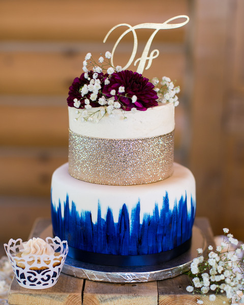 small casual wedding cakes modern rustic blue burgundy gold white country dessert 20207