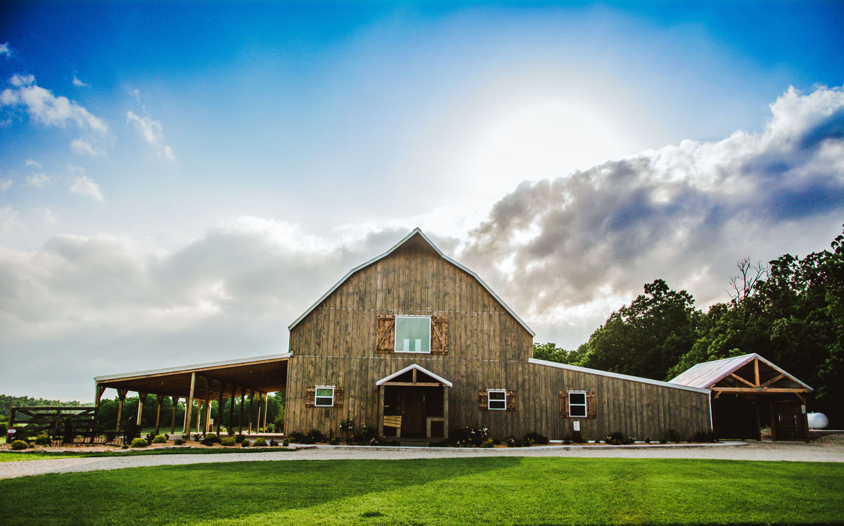 The gambrel barn venue verona mo weddingwire for Gambrel barn house