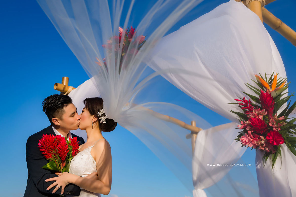 Jose luis zapata photography photography ambergris for Wedding dress rental san jose