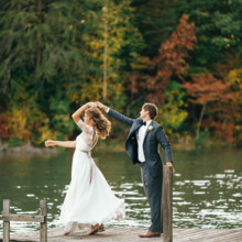 """<strong class='info-row'>Erin Morrison Photography</strong> <div class='info-row description'><html>  <head></head>  <body>    Check out that dress twirl!  Venue: Tuckaway Cove  Bride's Gown:   <a href=""""https://www.weddingwire.com/reviews/sarah-seven-san-francisco/a18db1e5e4af988f.html"""" target=""""_blank"""">Sarah Seven</a>from   <a href=""""https://www.weddingwire.com/biz/the-dress-theory-seattle/eacb4ac349379587.html"""" target=""""_blank"""">The Dress Theory</a>   </body> </html></div>"""
