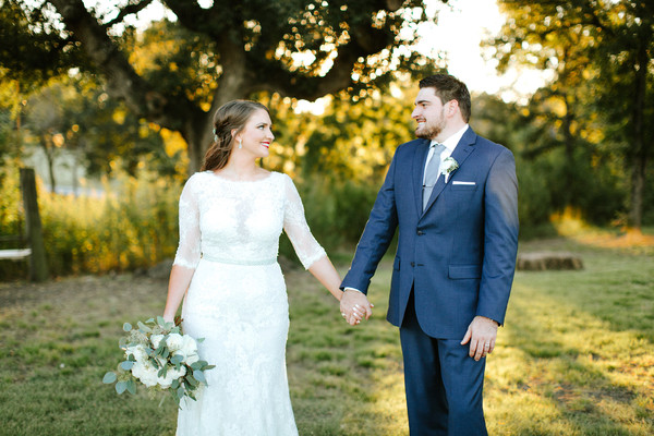country chic texas barn wedding real wedding photos by